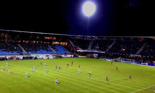 Unverhofftes Comeback: Esbjerg dreht einen 0:2-Rückstand binnen sieben Minuten und erreicht dennoch nur ein Remis (Quelle: kickschuh.wordpress.com)
